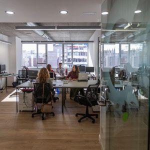 coworking-madrid-salas-compartidas-puestos-fijos